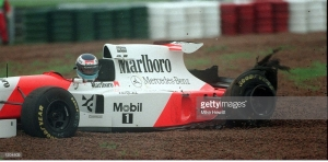 Mika Hakkinen retiring from the 1995 Argentine Grand Prix