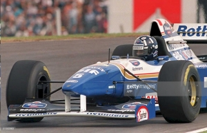 Damon Hill leads the 1995 Argentine Grand Prix in the latter stages.
